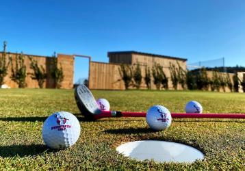 democratic-golf-roquebrune-sur-argens-famille-enfants-var-activites-83-sport