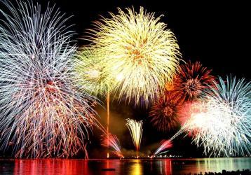 feux-artifice-var-83-feu-spectacle-pyrotechnique-famille-cote-azur