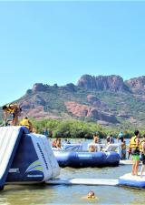 water-glisse-passion-parc-arena-roquebrune-sur-argens-aquatique-gonflable-activites-base-nautique-loisirs-famille-enfants-var-83
